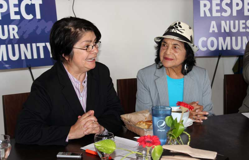 Dolores-Huerta-political-roundtable-2015-(35)