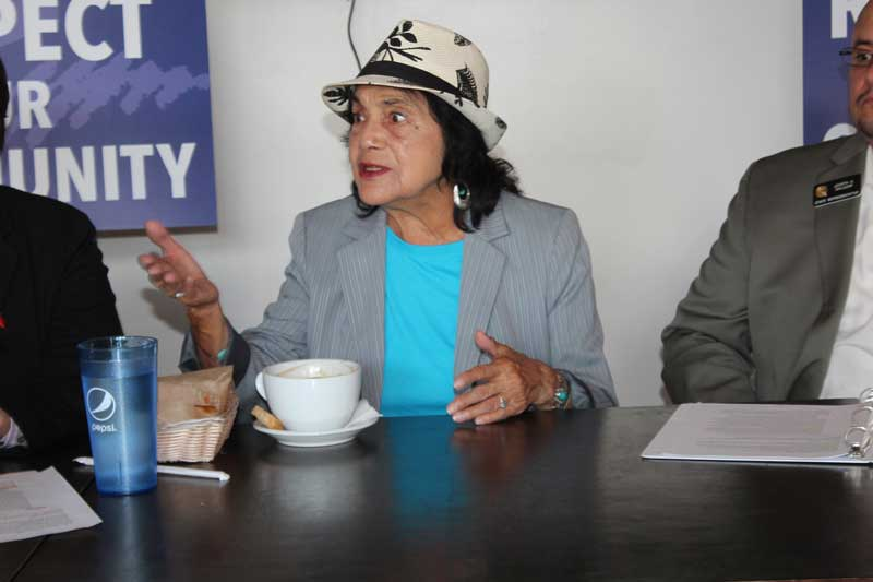 Dolores-Huerta-political-roundtable-2015-(50)