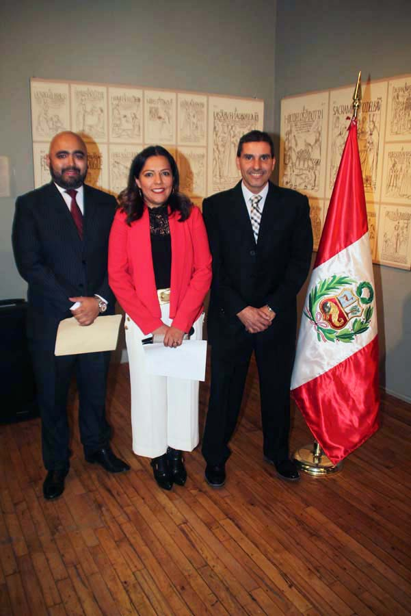 Fredy Martinez Cónsul Adscrito del Perú en Denver (left) Claudia Moran, Executive Director-Museo de las Americas (center) & Roland Denegri Aguirre, Consulate General of Peru in Denver (right). Photo by Latin Life Denver Media